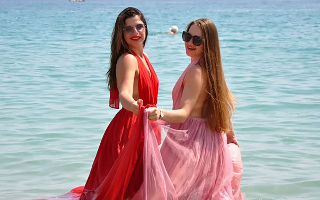 Tatili ölümsüzleştirmek istediler: Ukraynalı turistlerden Antalya'da çok özel pozlar - Resim: 2