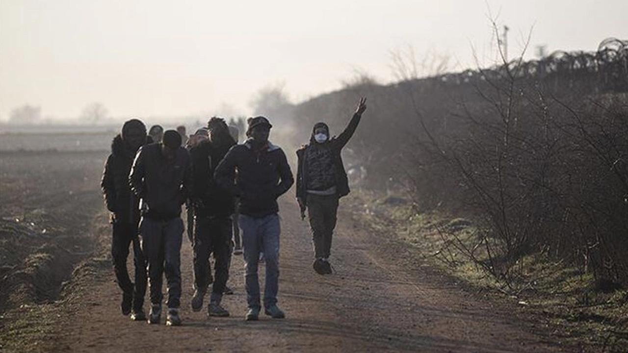 Türkiye sınırına yetleştirilen 'ses topu'na Yunan polislerden tepki