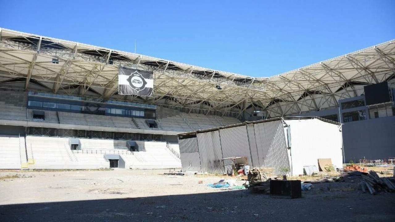 İzmir'de stat krizi çıktı