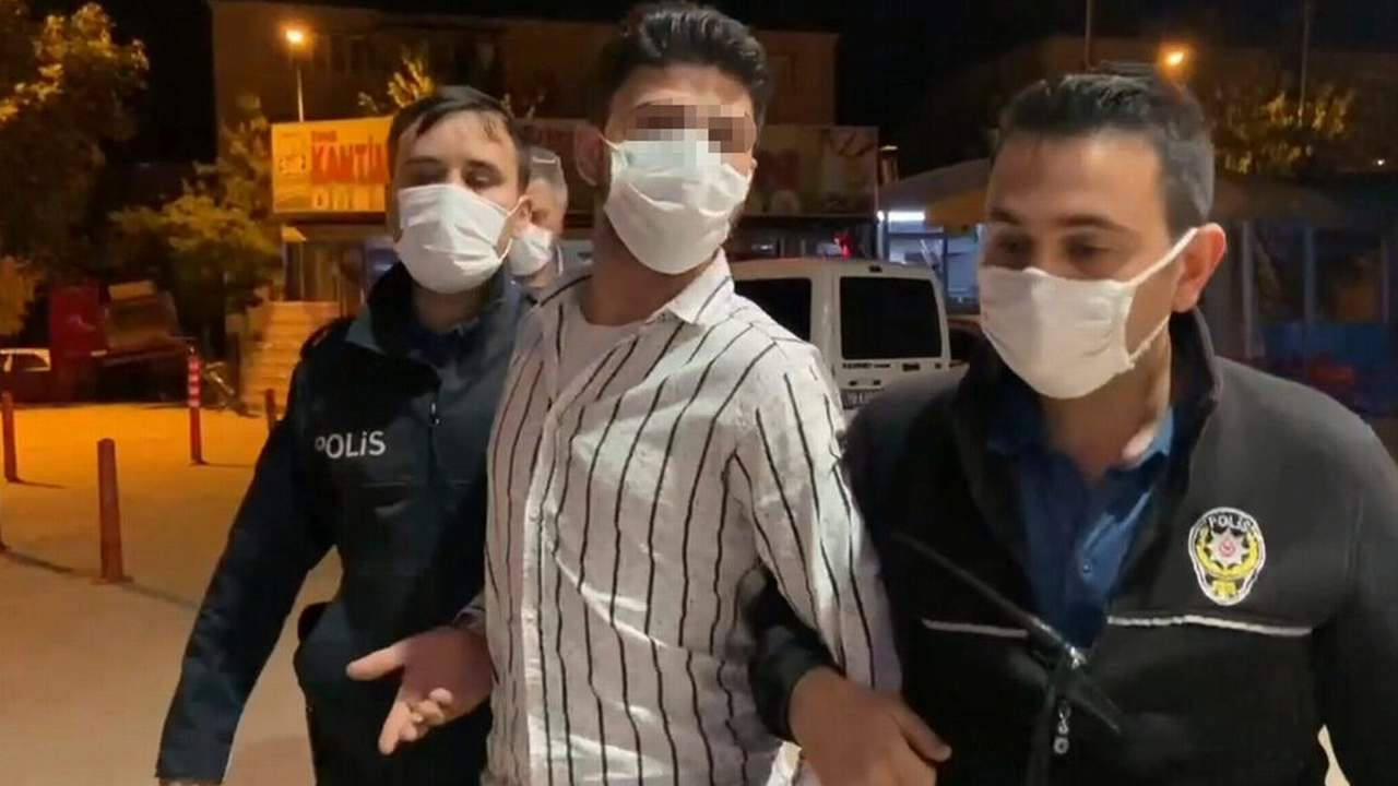 Suriyeli'nin üzerinden çıkanlar polisi hayrete düşürdü