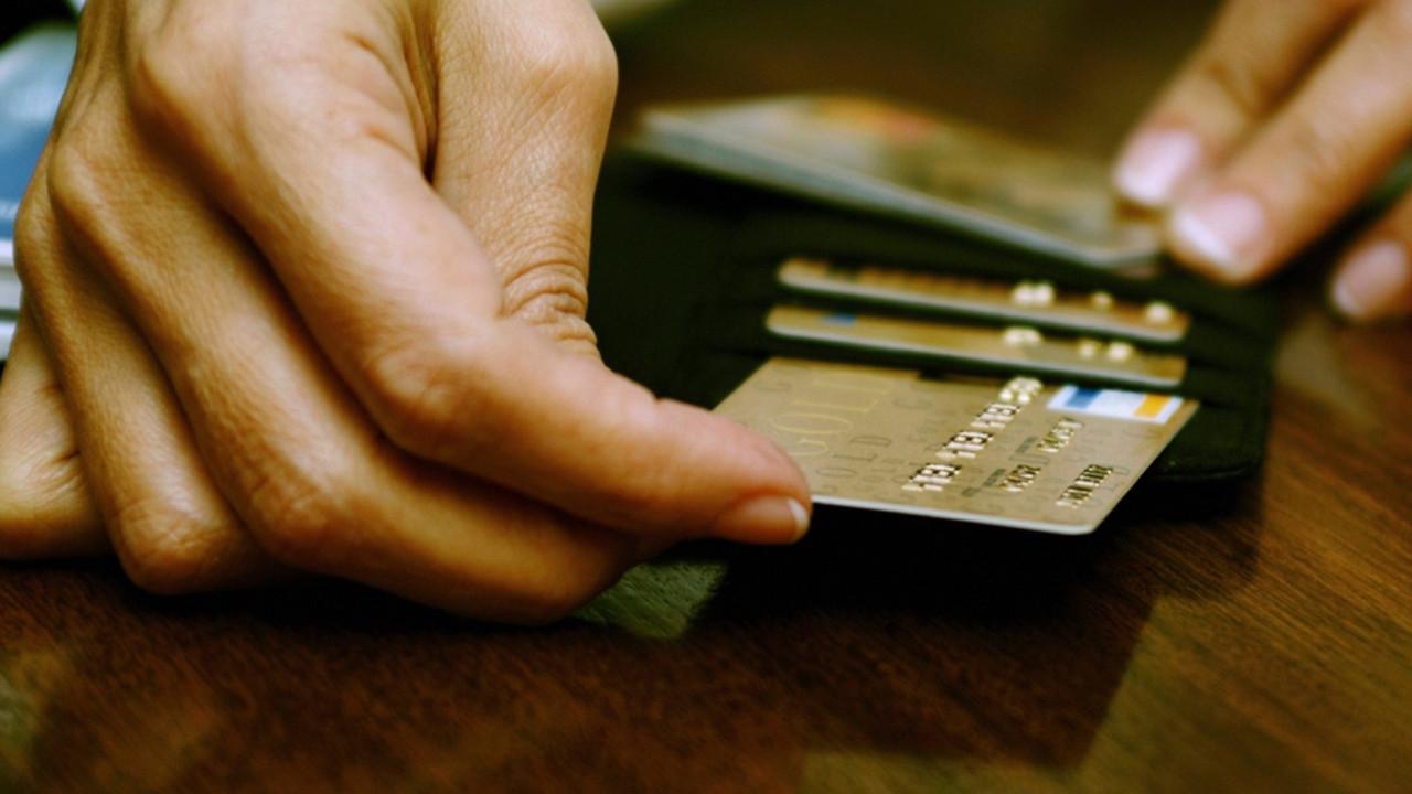Kredi kartı borcu olanlara müjde! İşte kara listeden çıkmanın yolu