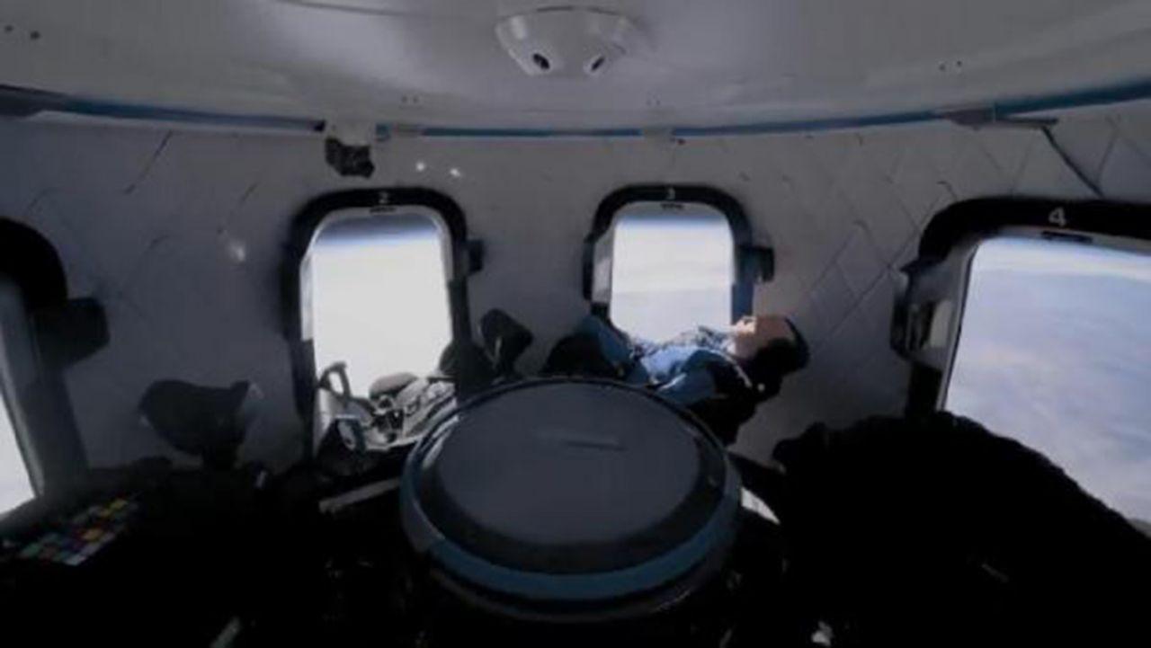 Jeff Bezos, kardeşiyle birlikte uzaya çıkıyor - Resim: 4