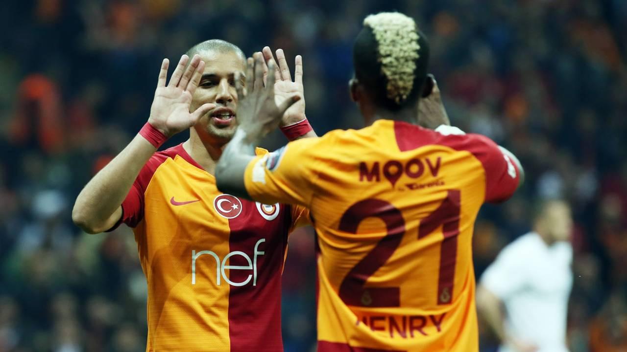 Galatasaraylı 2 yıldız için sürpriz talipli