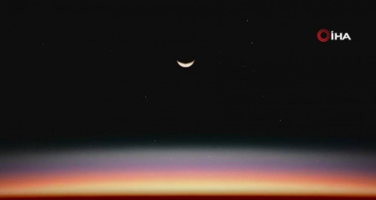 Ay'dan heyecanlandıran paylaşım... Avrupa Uzay Ajansı paylaştı - Resim: 1