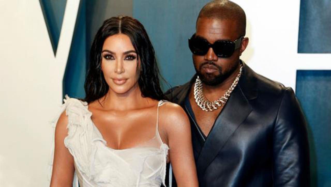 Kardashian'ı çabuk unuttu: Kanye West, ünlü modelle yakalandı - Resim: 1