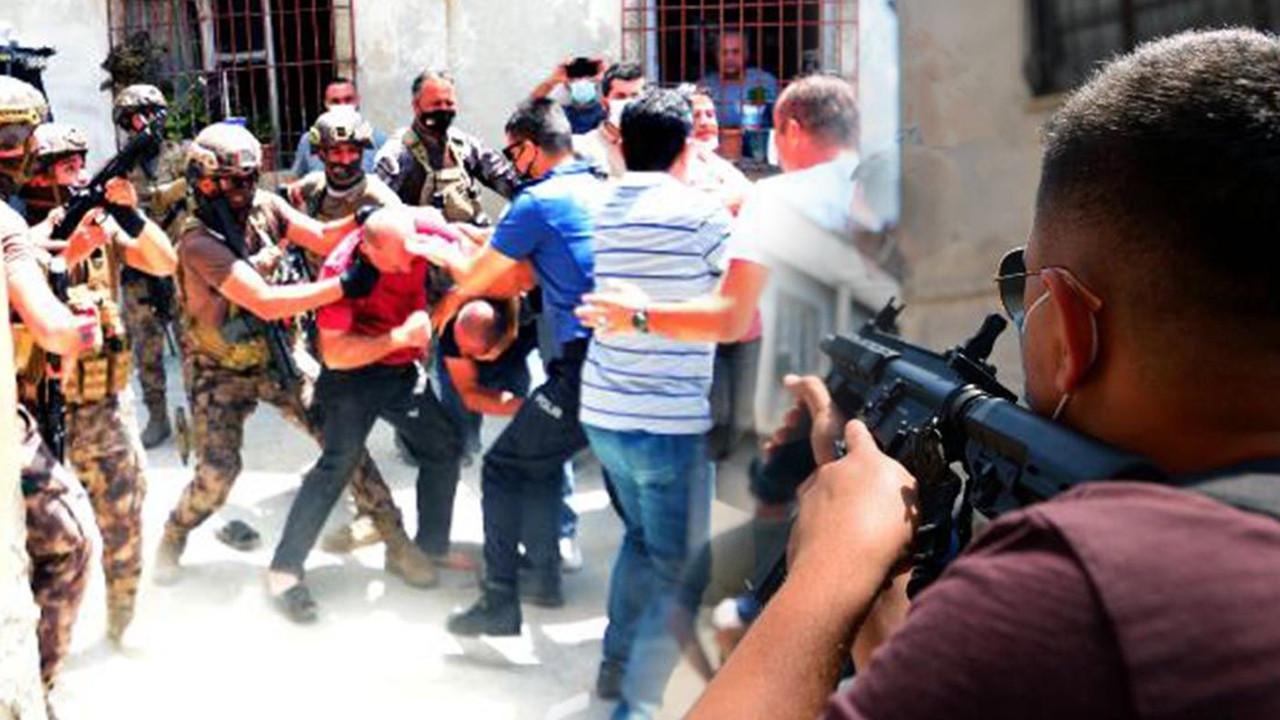 Mahalleyi ayağa kaldırdı: Linçten polis kurtardı