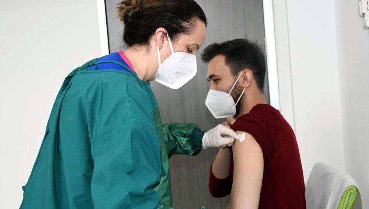 Kimler aşı oldu? Hangi meslek gruplarına aşı sırası geldi? İşte son durum - Resim: 4