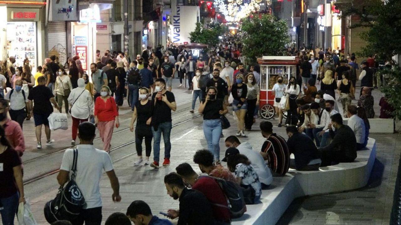 İstanbul'da ''korona virüs salgını bitti de bizim mi haberimiz yok'' dedirten görüntüler - Resim: 2