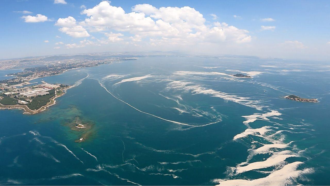 Marmara Denizi'ndeki mide bulandıran müsilaj havadan görüntülendi - Resim: 3