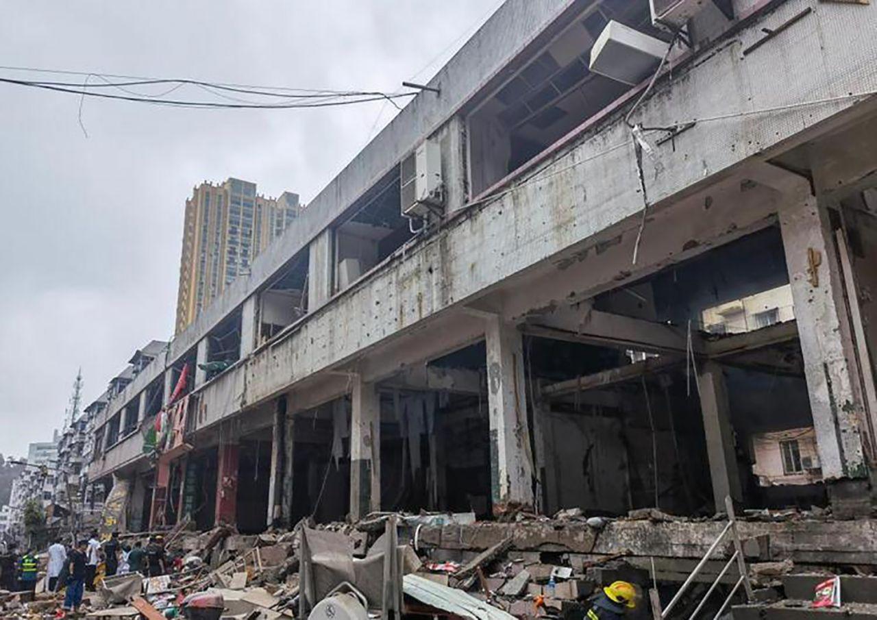 Çin'de korkunç patlama: Ortalık savaş alanına döndü! Onlarca ölü ve yaralı var - Resim: 3
