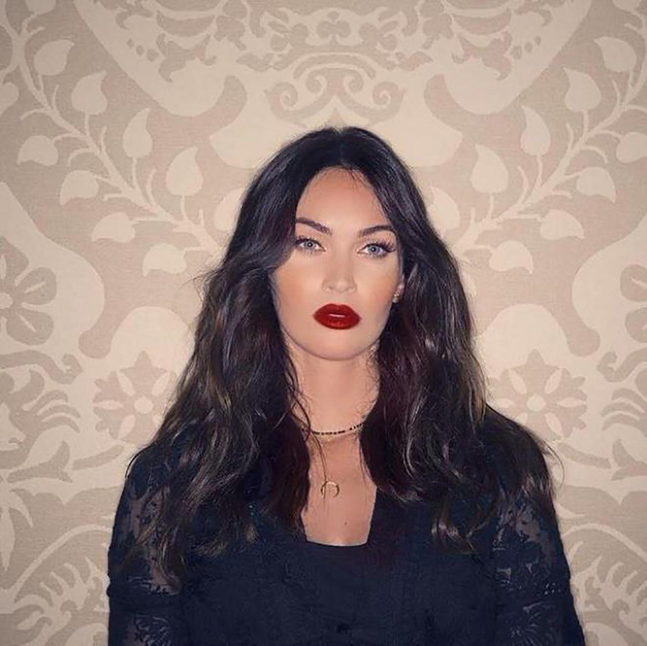 Megan Fox, akıllara durgunluk veren bir kıyafetle sokağa çıktı! - Resim: 2
