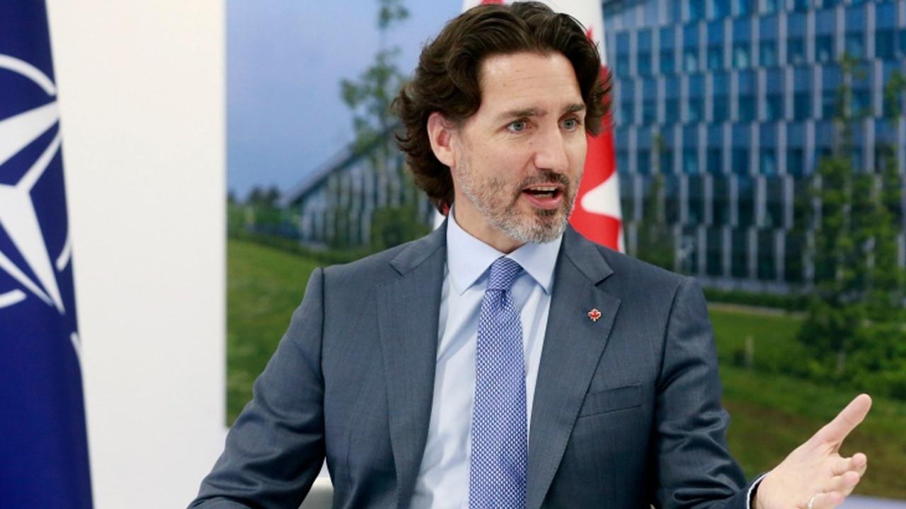 Kanada Başbakanı çoraplarıyla NATO Zirvesi'ne renk kattı