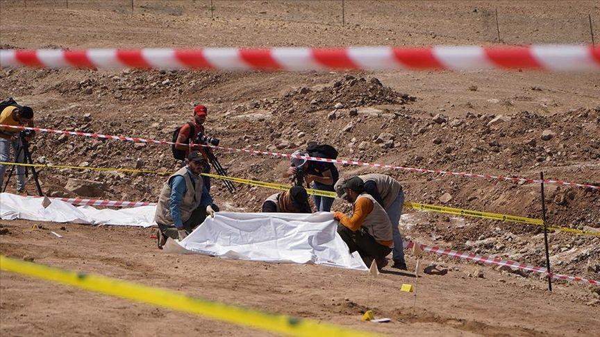 Teröristlerin 500 kişilik 2 toplu mezar bulundu