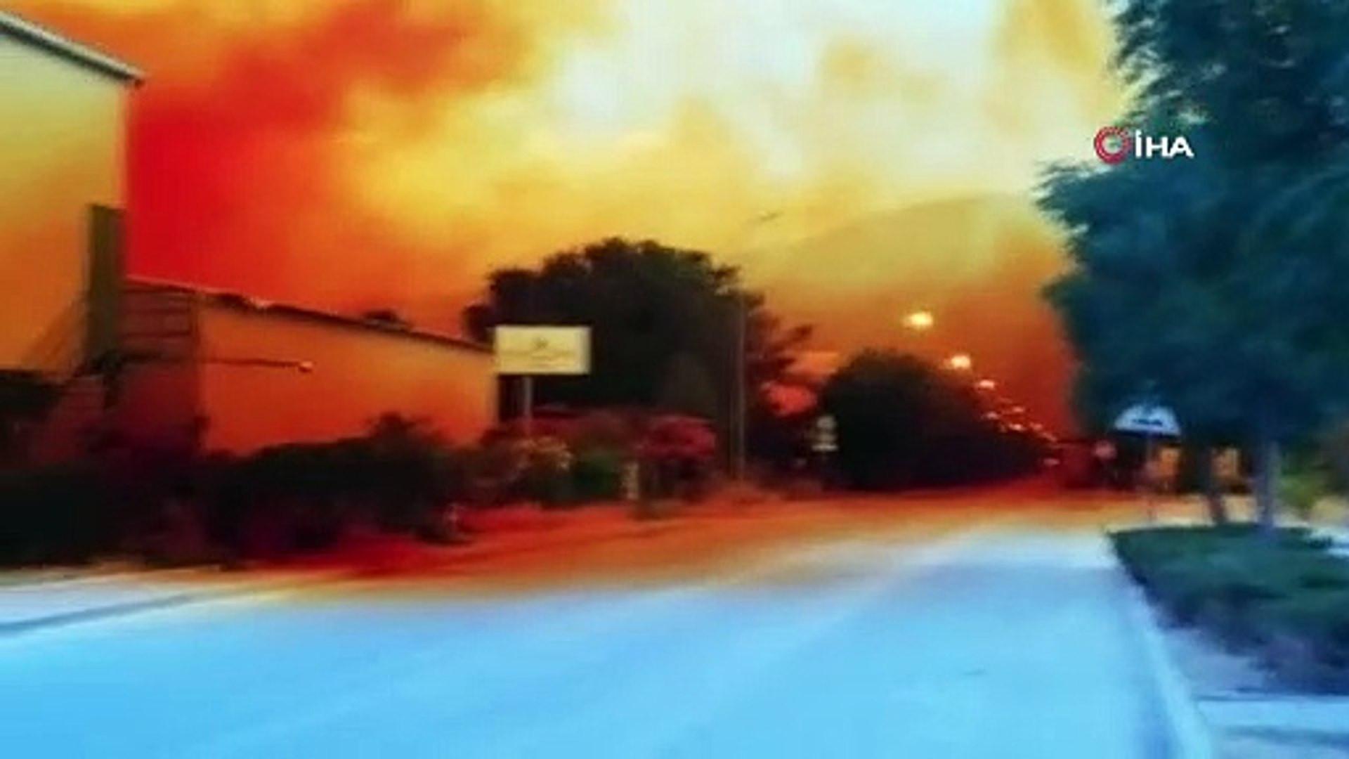 Antalya'da ''kimyasal'' alarm! Gökyüzü turuncuya boyandı