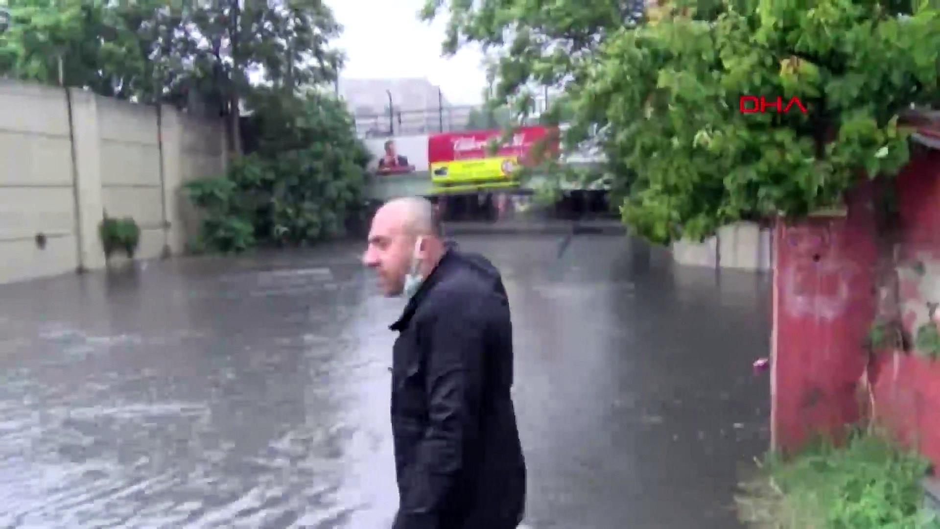İstanbul'u sağanak vurdu! Alt geçitleri su bastı