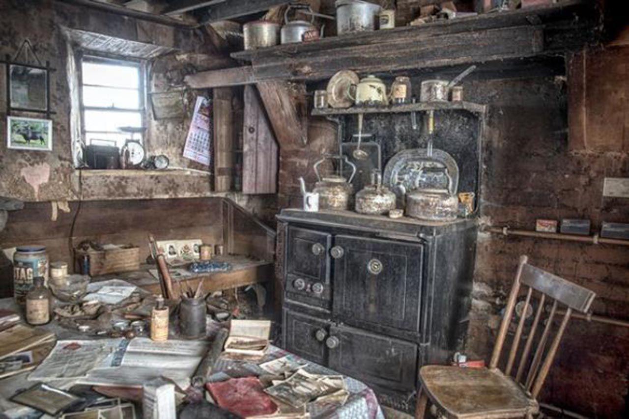 100 yıl önce terk edilen evin içinden şaşırtan fotoğraflar - Resim: 2