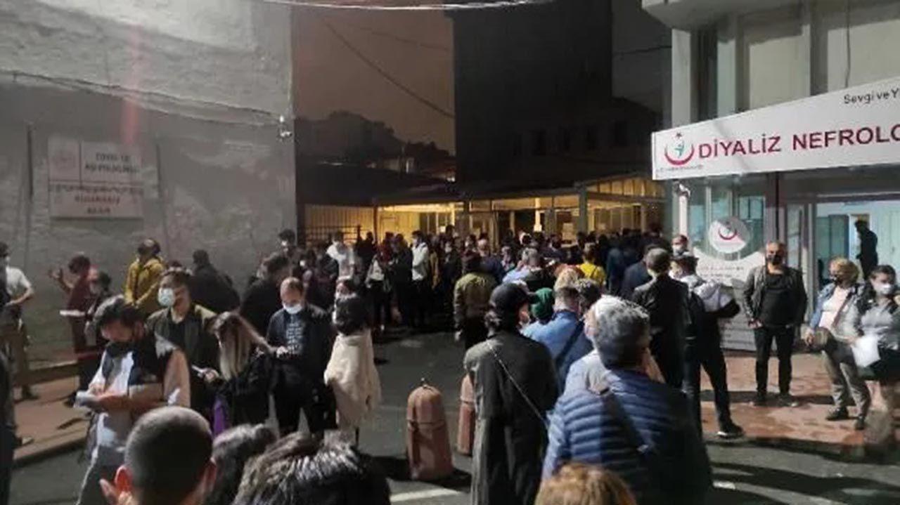 İstanbul'da gece yarısı hastanelerde aşı kuyruğu - Resim: 1