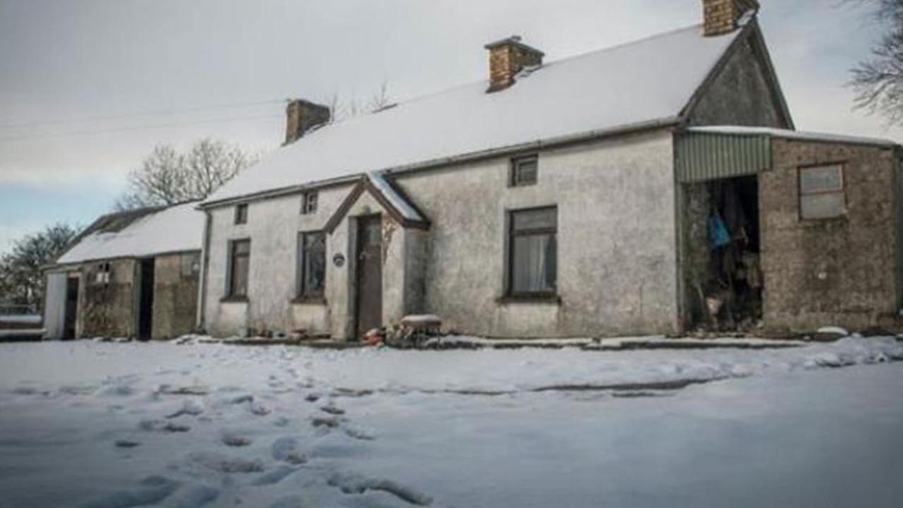 100 yıl önce terk edilen evin içinden şaşırtan fotoğraflar