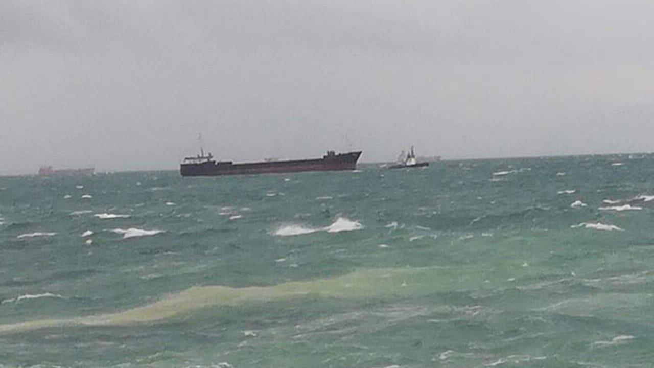 İstanbul açıklarında korku dolu anlar! Dev gemi böyle sürüklendi