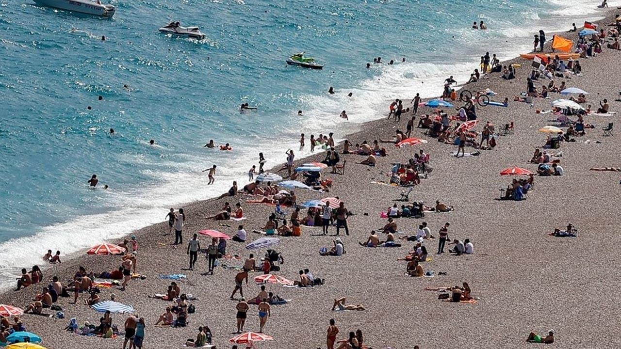 Aşılanmanın hızlanmasıyla turizm hareketlendi