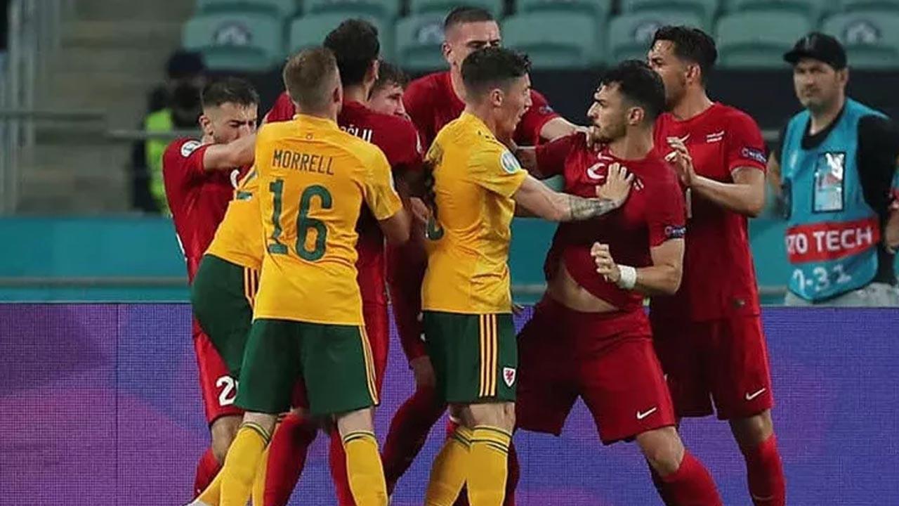 Türkiye-Galler maçı sonrası ortalık karıştı