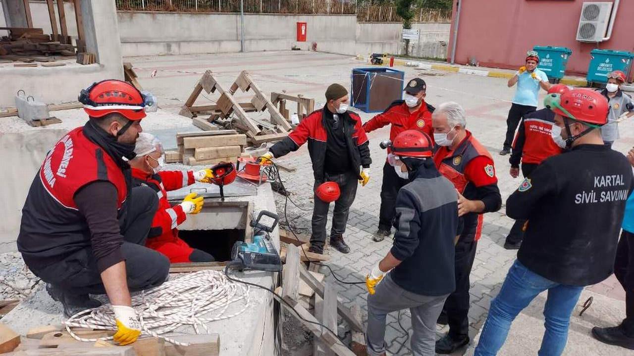 """Kartal Belediyesi Sivil Savunma Uzmanlarına Yönelik  """"Arama-Kurtarma"""" Eğitimi"""