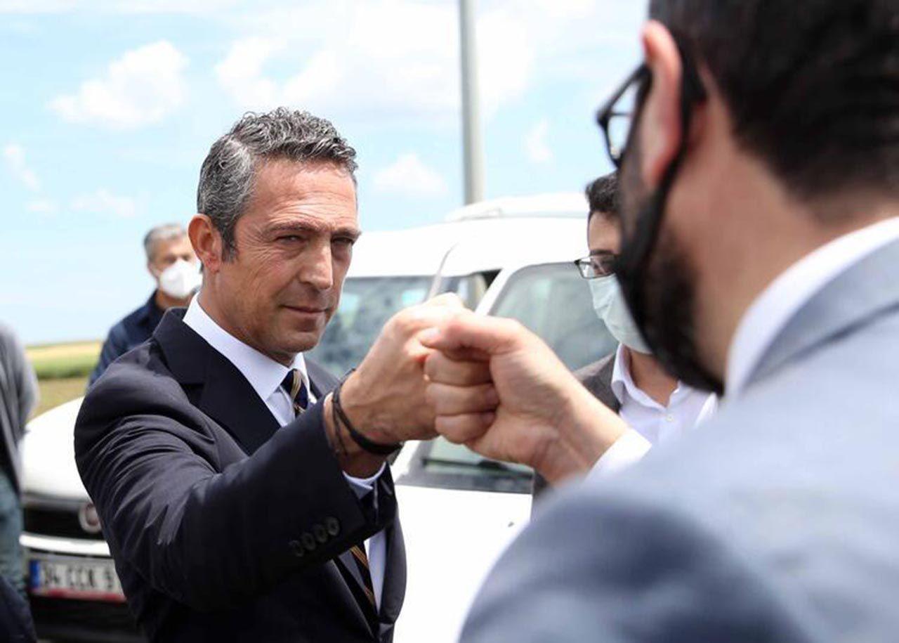 Fenerbahçe yeni teknik direktörünü buldu: İşte son dakika transfer haberleri - Resim: 1