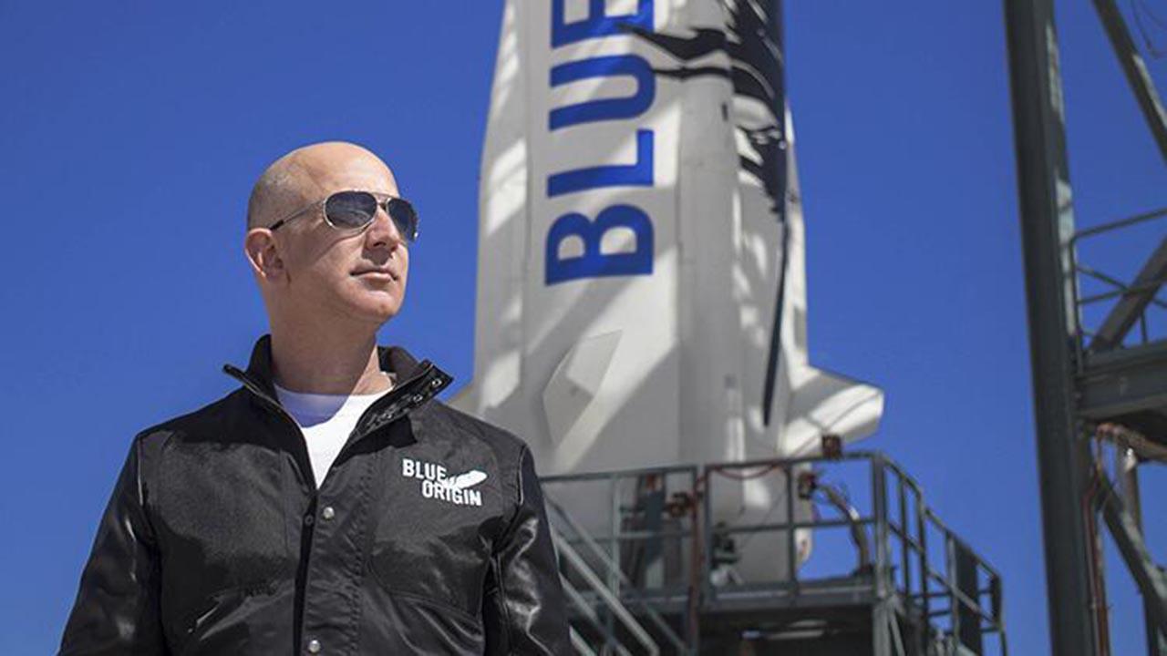 Dünya Jeff Bezos'un uzay yolculuğu planını konuşuyor