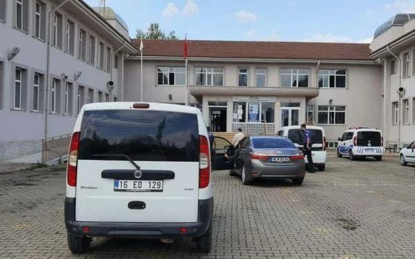 Bursa'da lisede kadın cinayeti: Reddedilince vahşice öldürdü - Resim: 2