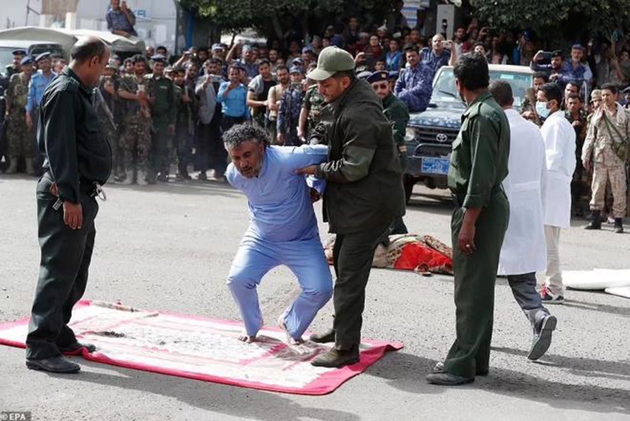 Tecavüzcü katiller herkesin gözü önünde idam edildi - Resim: 2