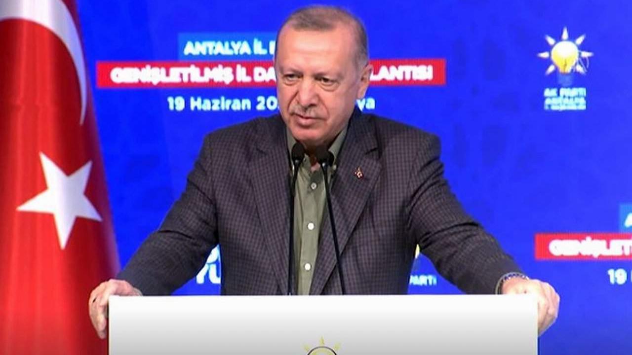 Erdoğan'dan AK Parti teşkilatına sert uyarı
