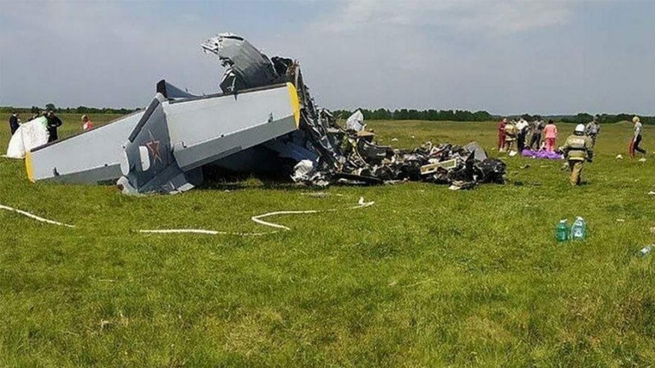 Paraşütçüleri taşıyan uçak düştü: Ölü ve yaralılar var