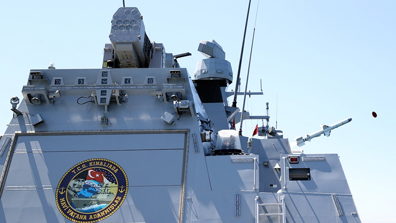 Milli savaş gemisi TCG Kınalıada'ya özel amblem