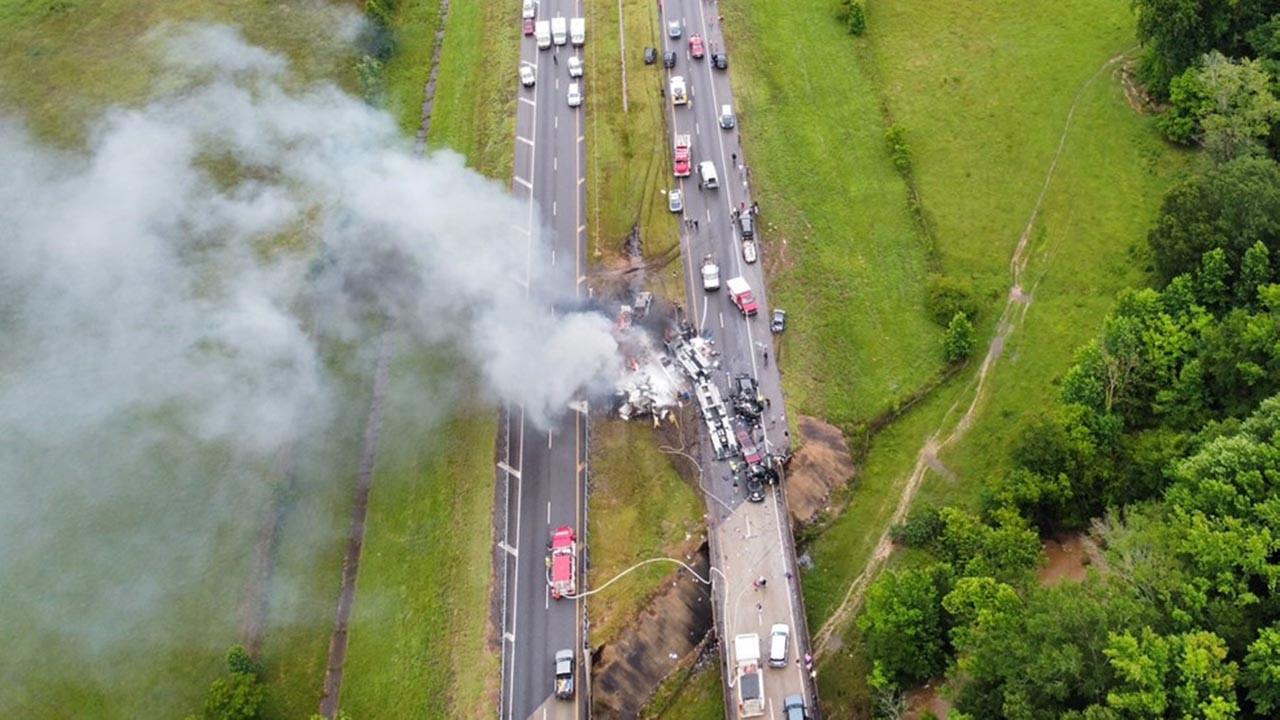 Bunun adı kaza değil başka bir şey: 18 araç birbirine girdi: 9'u çocuk 10 ölü