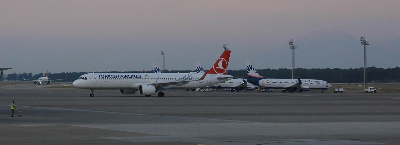 Geldiler! İlk Rus turist kafilesi Antalya'da... - Resim: 2