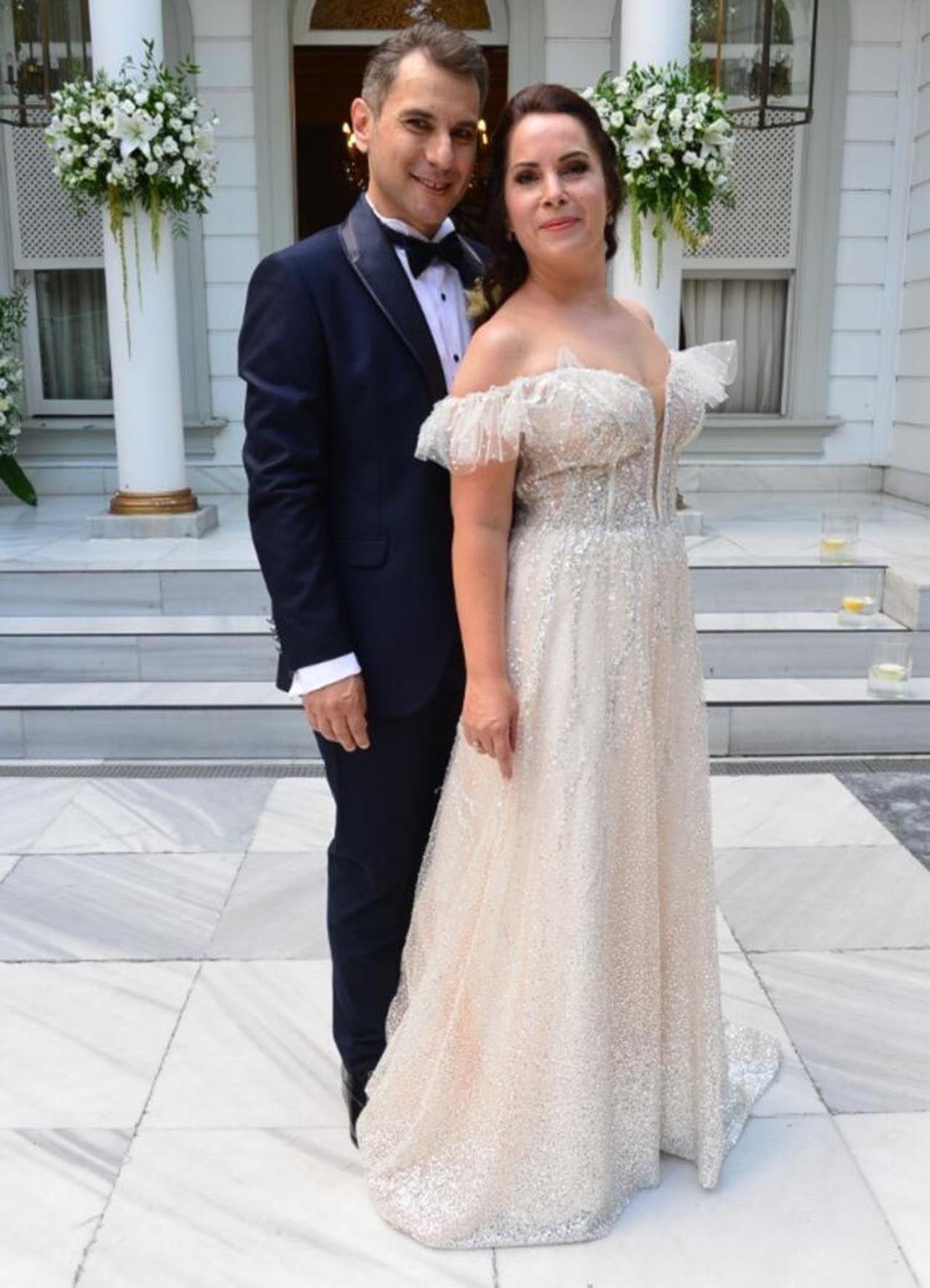 Oyuncu Sevinç Erbulak ve Volkan Cengen evlendi - Resim: 2