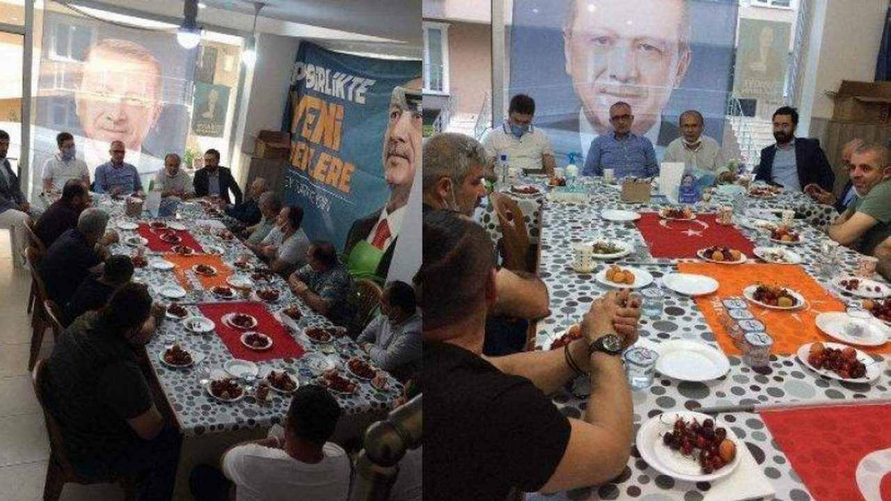 Türk bayrağını sofra bezi yapan AK Partili başkan ''özür'' diledi