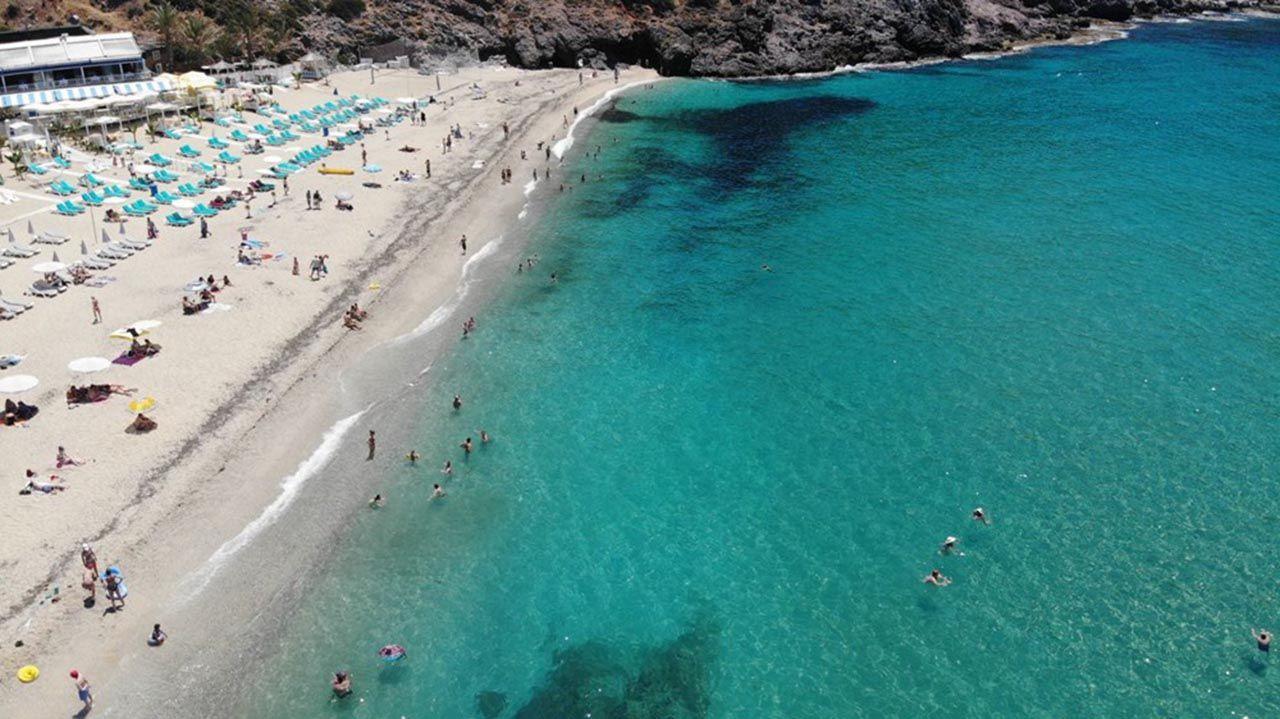 Antalya sahilleri eski günlerine döndü - Resim: 1