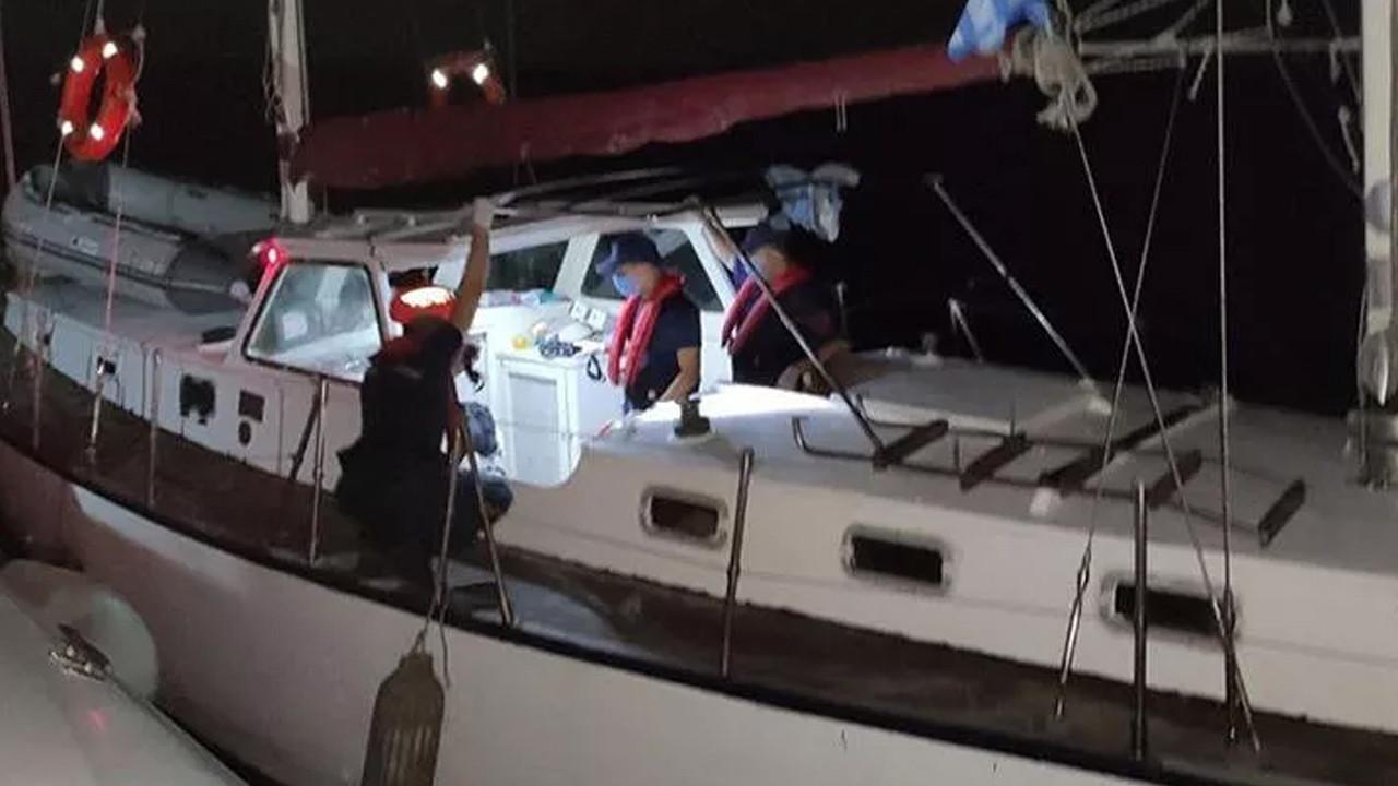 Yelkenli teknede 44 kaçak göçmen yakalandı