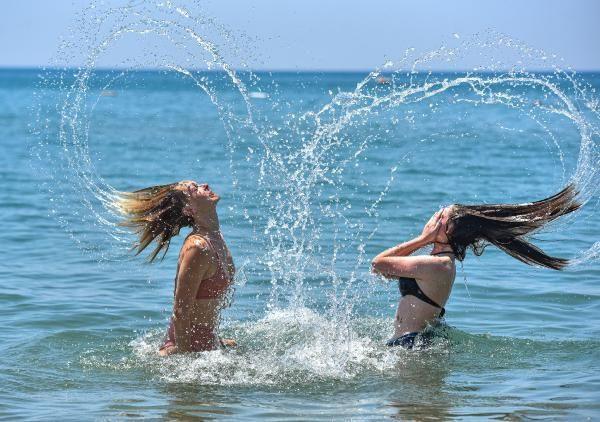 Dört gözle beklenen Rus turistler sonunda sahile indi - Resim: 2