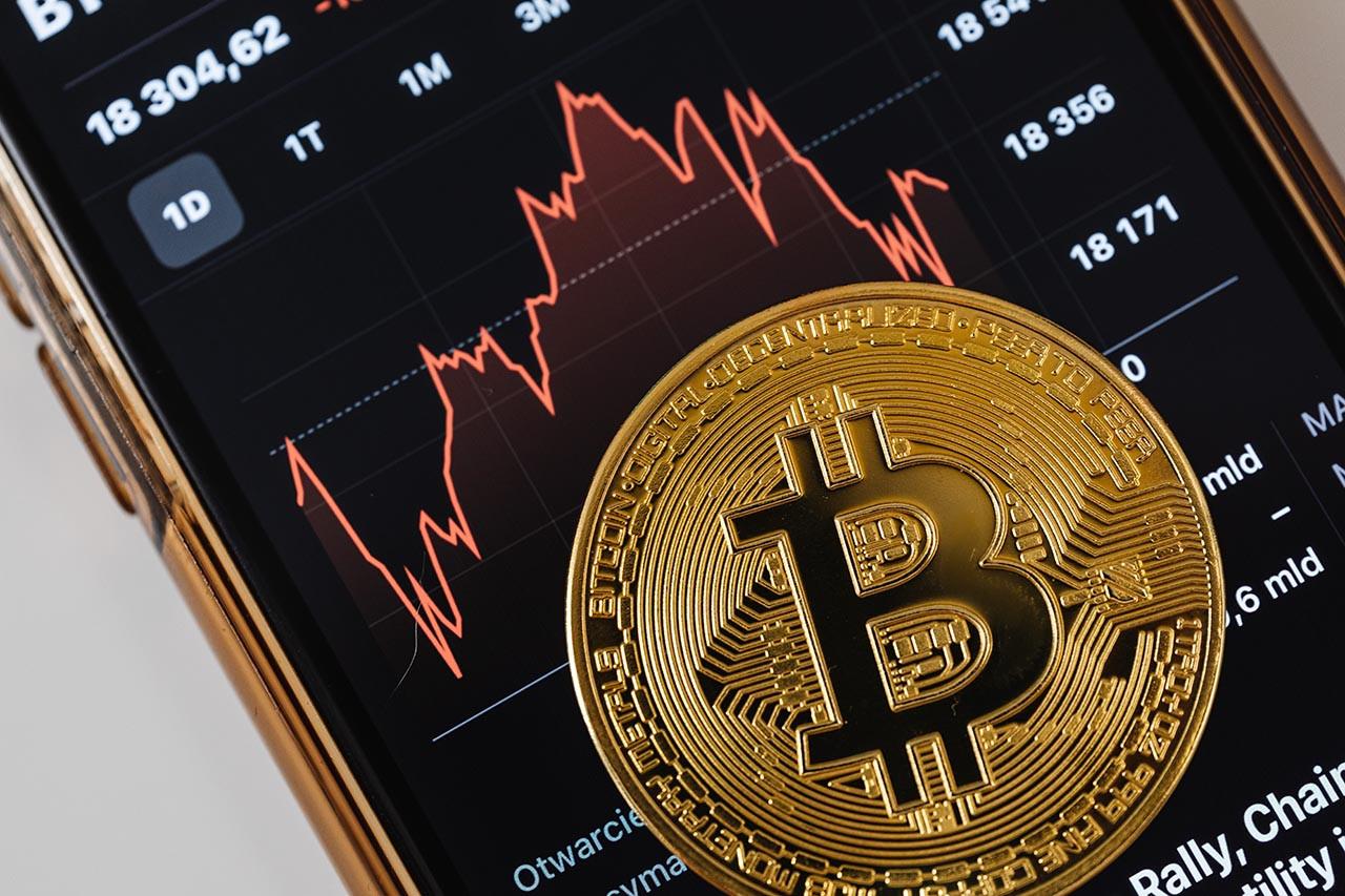 Bitcoin baş döndürüyor! Kritik seviyeyi aştı