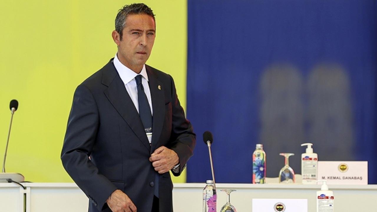 Fenerbahçe'de Başkan Ali Koç ve yönetimi ibra edildi