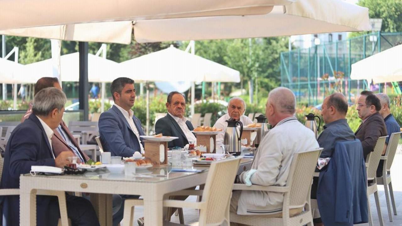 Başkan Gökhan Yüksel Esnaf Odaları Başkanları ile Bir Araya Geldi