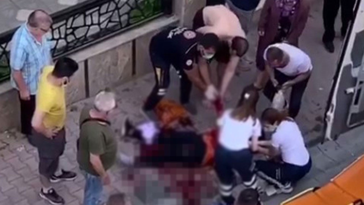 İstanbul'da vahşet: Eski karısını bıçaklayıp ölsün diye başında bekledi