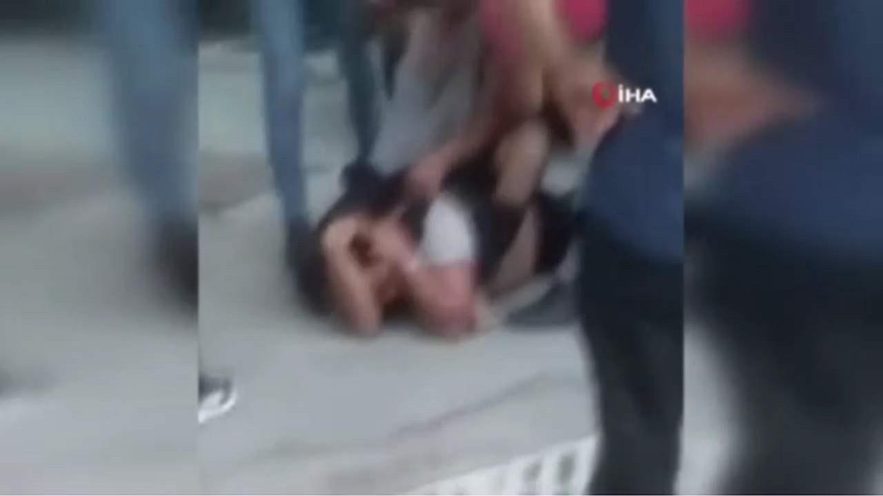 Tacizciye öldüresiye dayak! Polis gelene kadar linç ettiler