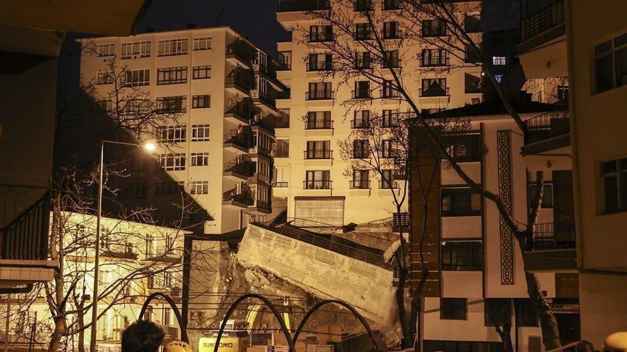 Ankara'da korkutan toprak kayması: Binalar boşaltıldı