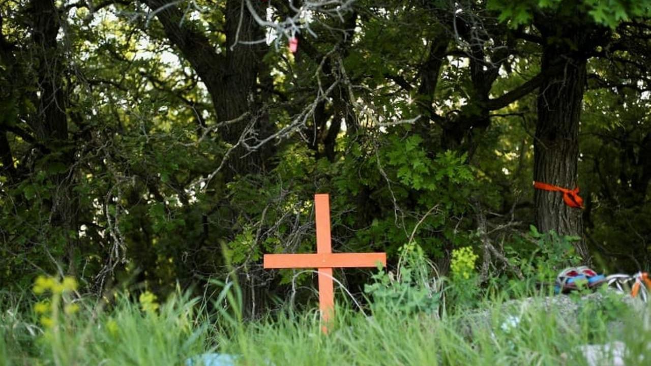Yatılı okulun yanında 182 isimsiz çocuk mezarı bulundu