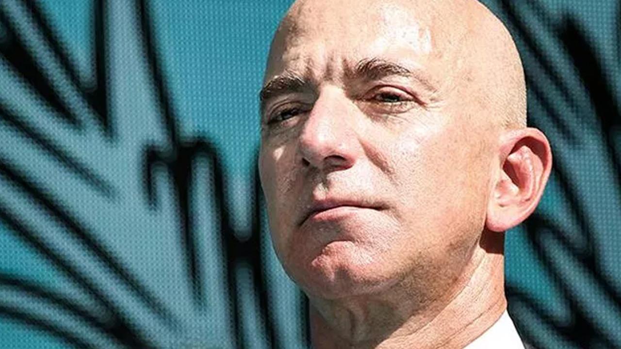 Jeff Bezos'un birlikte uzaya çıkacağı kişi belli oldu