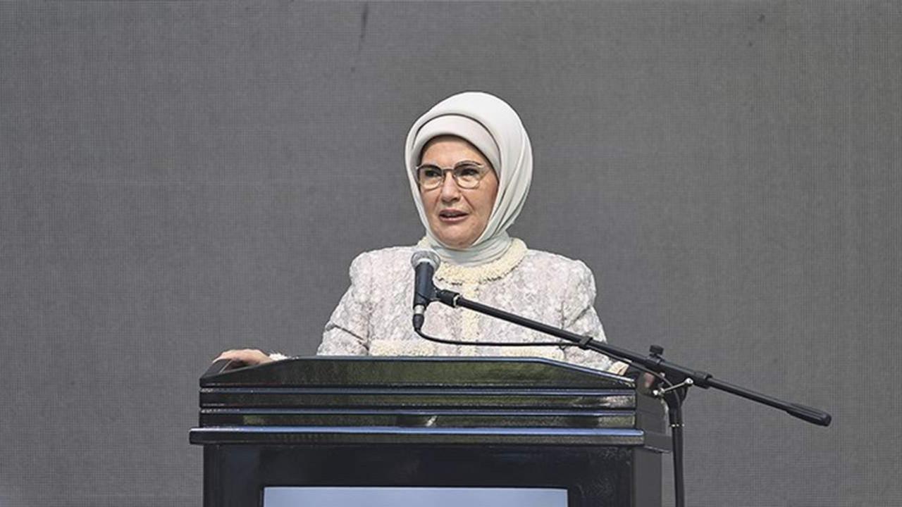 Emine Erdoğan, ilk kitabının tanıtımını ABD'de tanıttı