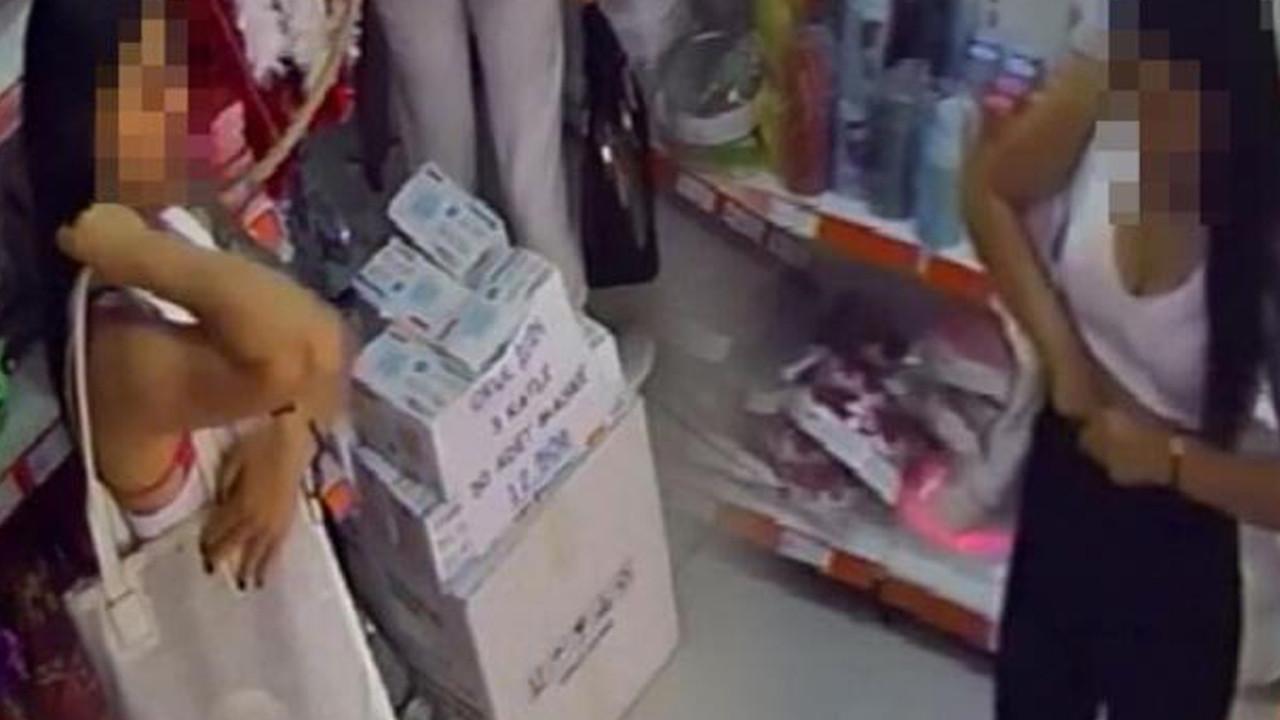 4 kadın hırsız girdikleri mağazayı böyle soydu
